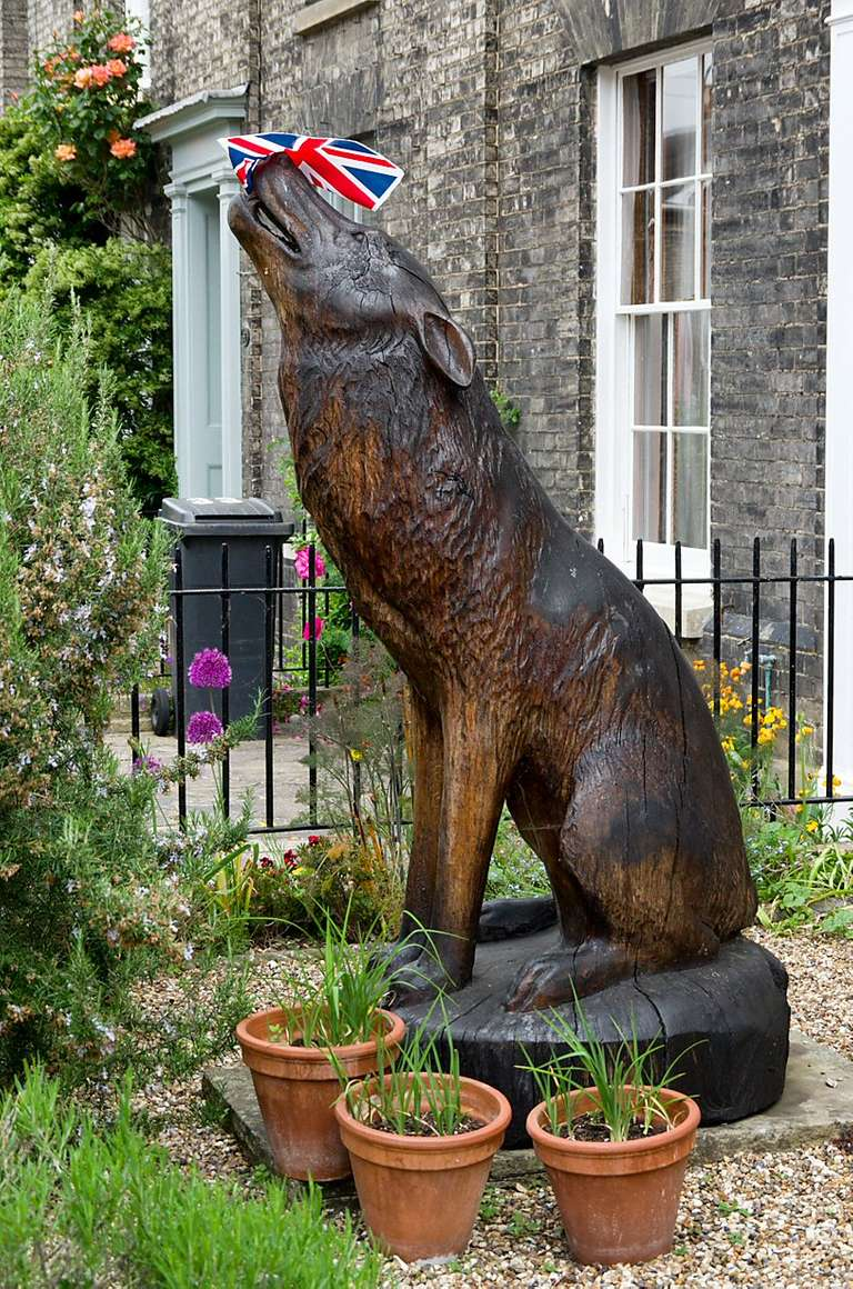 wolf carving